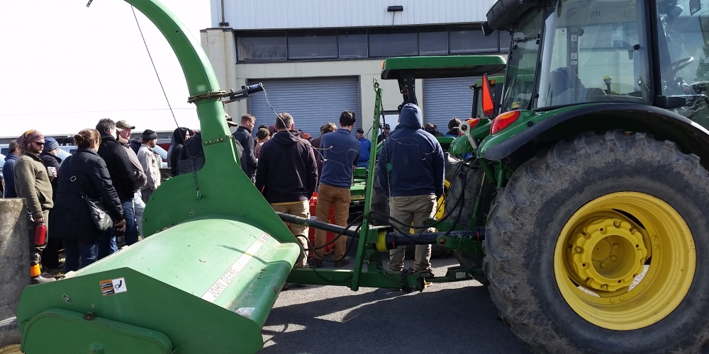 Learning safety of tractor hitching